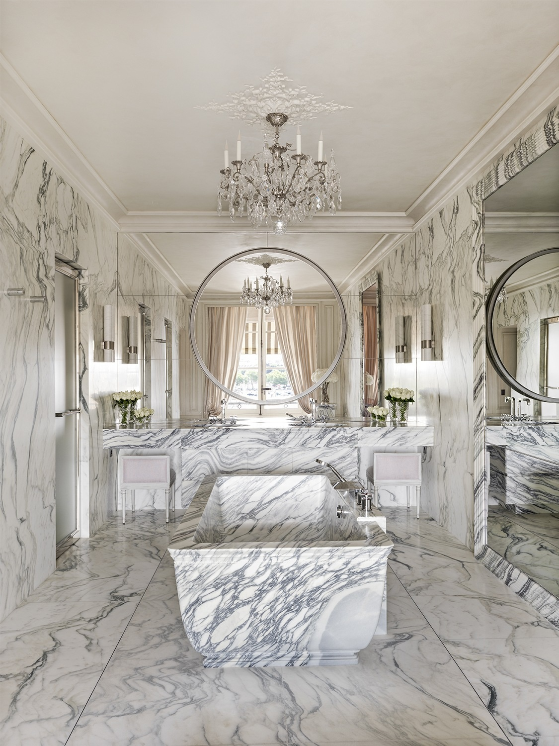 7 of the Most Luxurious Hotel Suites in Paris