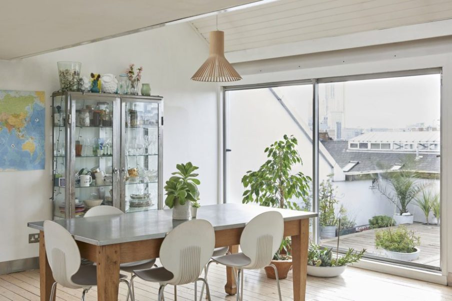 Tetőtéri kis lakás lenyűgöző terasszal full_1