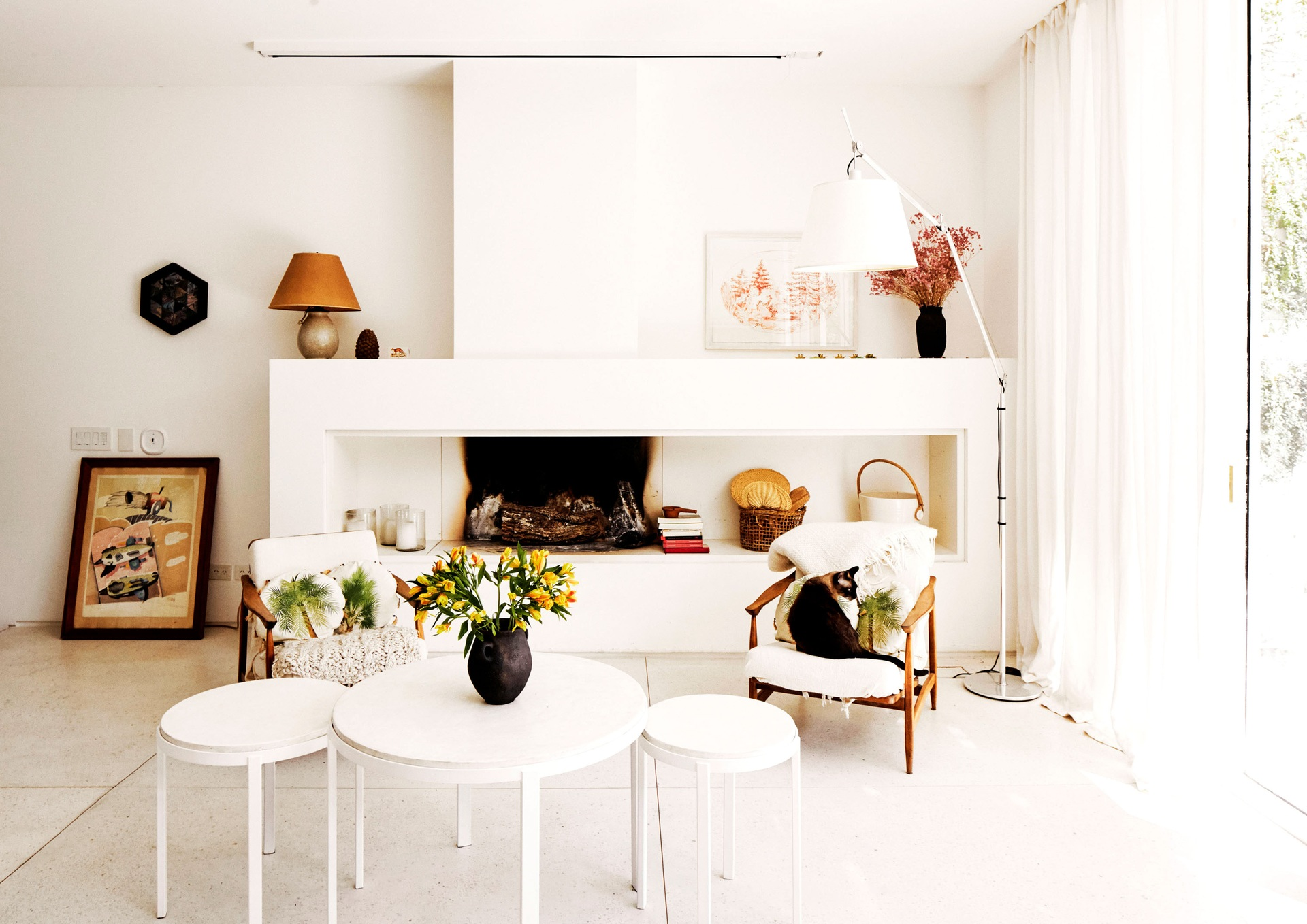 Sok fehérrel , mégsem minimalista stílusban intro_0