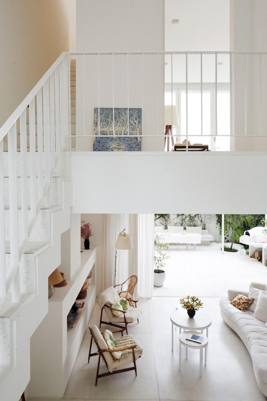 Sok fehérrel , mégsem minimalista stílusban full_0