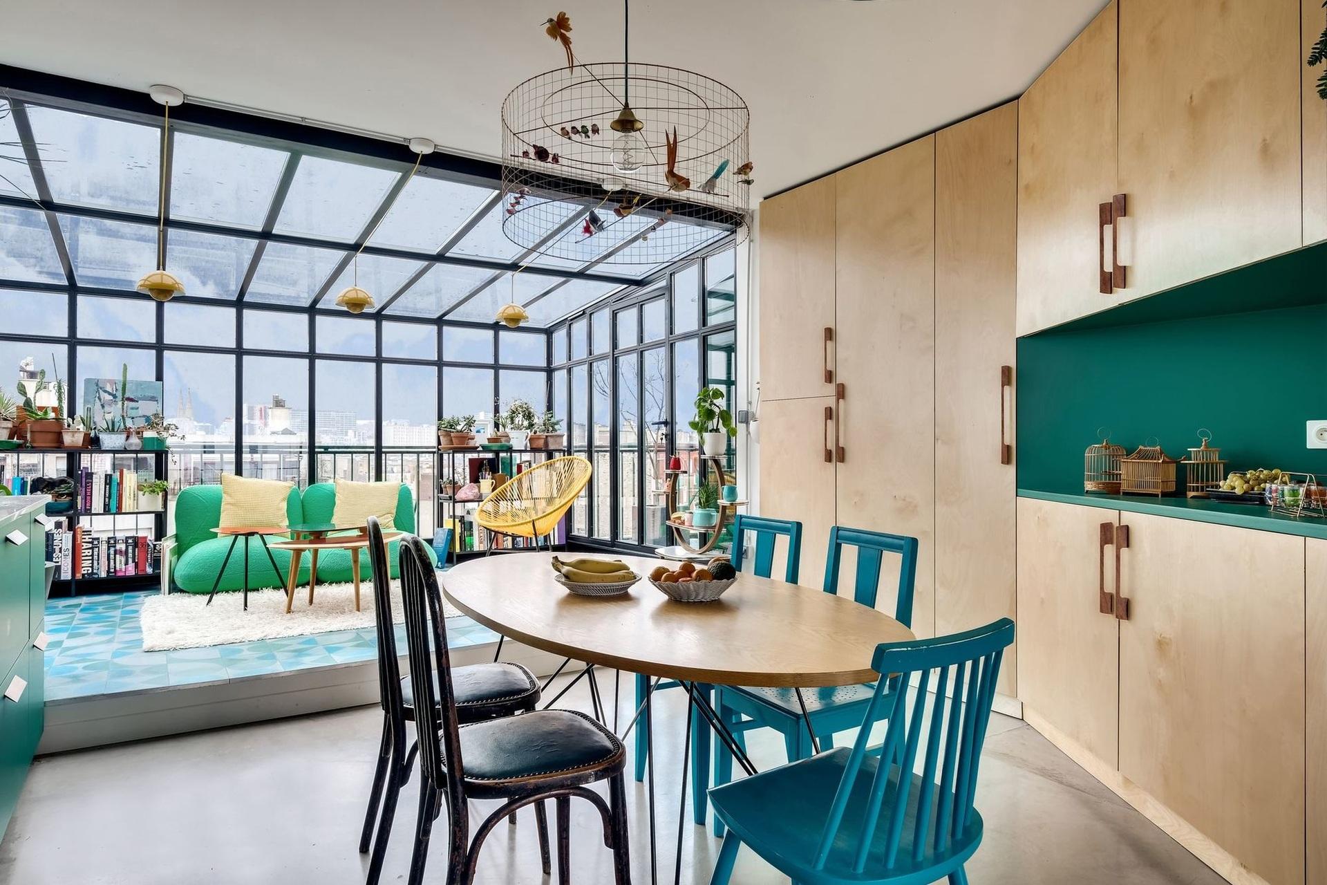 Különleges párizsi lakás télikerttel full_0